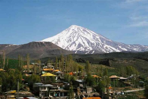 Mt.-Damavand-View-from-Polour_-Early-April-2005
