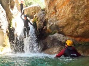 rio-canaletes-barranquismo-plan-aventura-divertido